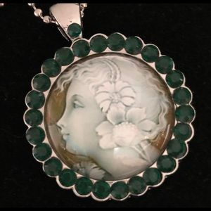 Jewelry - CAMEO NECKLACE